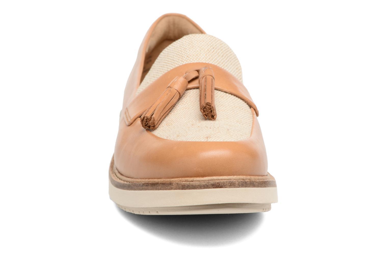 Mocassins Clarks Glick Castine Marron vue portées chaussures