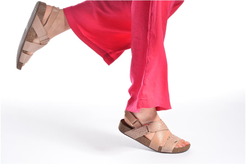 Sandales et nu-pieds Clarks Rosilla Essex Marron vue bas / vue portée sac