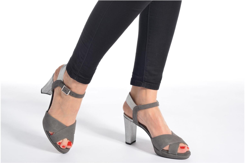 Sandales et nu-pieds Clarks Kendra Petal Gris vue bas / vue portée sac