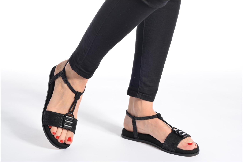 Sandalen Clarks Agean Cool schwarz ansicht von unten / tasche getragen