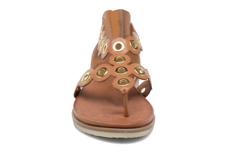 Sandales et nu-pieds Bugatti Jodie V6582-6N Marron vue portées chaussures