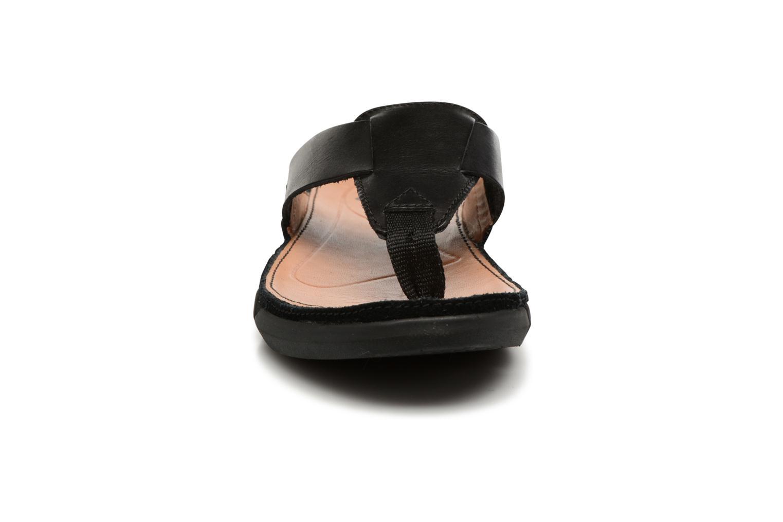 Tongs Clarks Trisand Post Noir vue portées chaussures