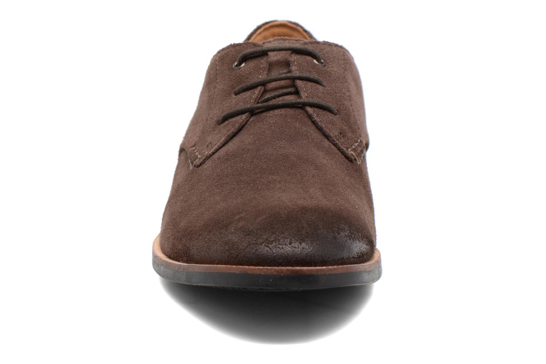 Chaussures à lacets Clarks Broyd Walk Marron vue portées chaussures