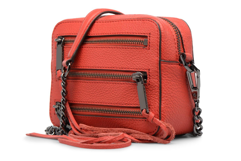 Bolsos de mano Rebecca Minkoff 4 ZIP MOTO CAMERA BAG Rojo vista del modelo