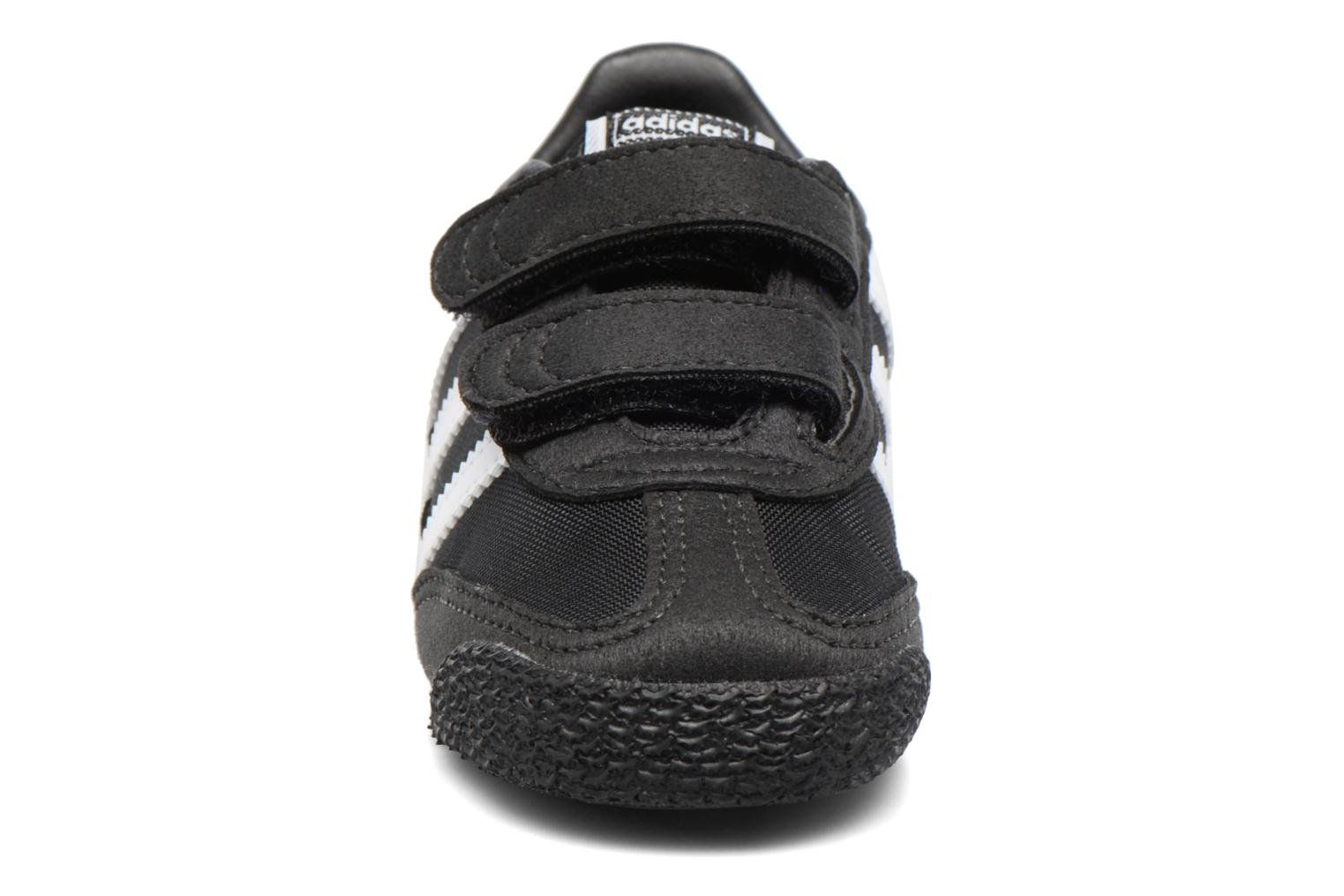 Sneakers Adidas Originals Dragon Og Cf I Nero modello indossato