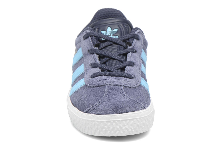 Sneakers Adidas Originals Gazelle I Blå se skoene på