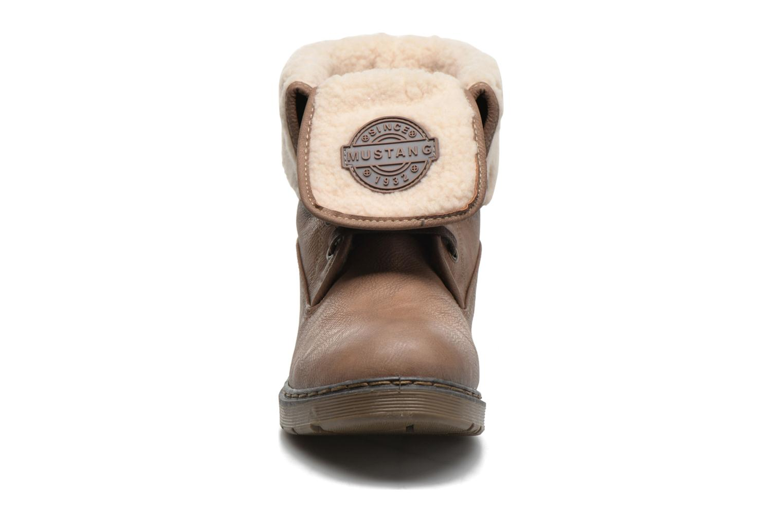 Bottines et boots Mustang shoes Betsy Beige vue portées chaussures