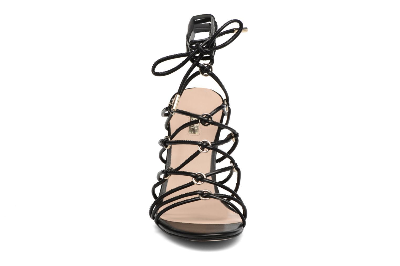 Sandalen Guess Aeyla schwarz schuhe getragen
