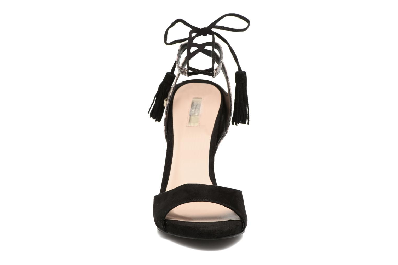 Sandali e scarpe aperte Guess Amee Nero modello indossato