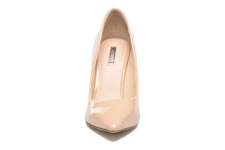 Escarpins Guess Blix Beige vue portées chaussures