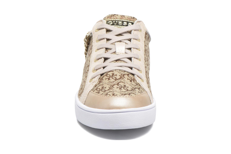 Baskets Guess Glinna 1 Beige vue portées chaussures