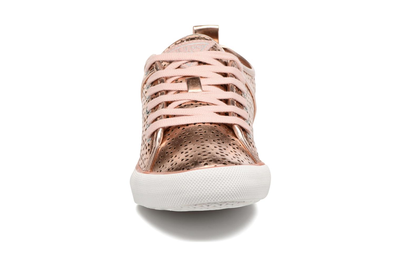 Baskets Guess Jolie Or et bronze vue portées chaussures