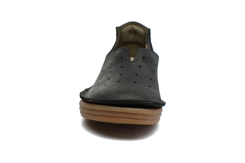Mocassins El Naturalista Ricefield NF88 Noir vue portées chaussures