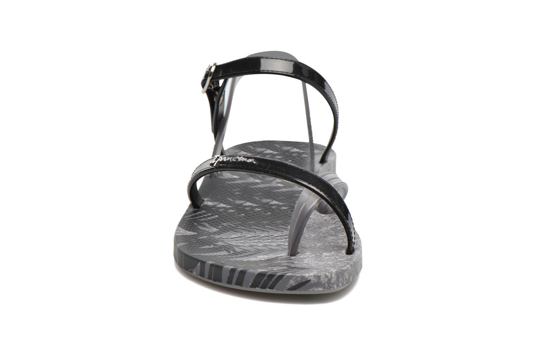 Sandales et nu-pieds Ipanema Fashion Sandal IV F Gris vue portées chaussures