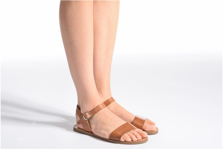 Sandales et nu-pieds Steve Madden Kondi Sandal Noir vue bas / vue portée sac