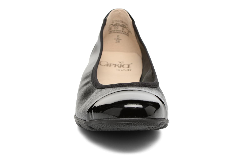 Ballerines Caprice Adriana Noir vue portées chaussures