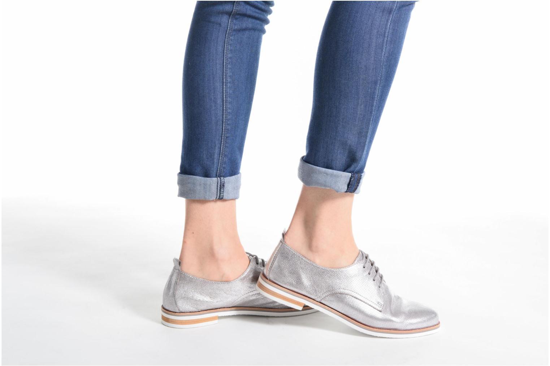Chaussures à lacets Caprice Ita Noir vue bas / vue portée sac