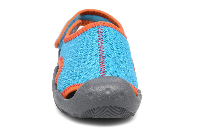 Sandales et nu-pieds Crocs Swiftwater Sandal Kids Bleu vue portées chaussures