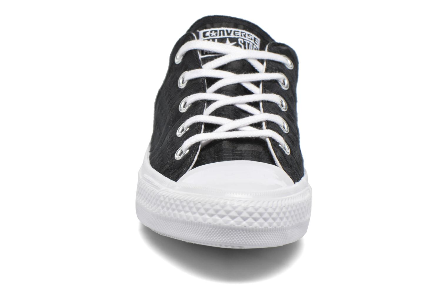 Baskets Converse Chuck Taylor All Star Gemma Ox Engineered Lace Noir vue portées chaussures