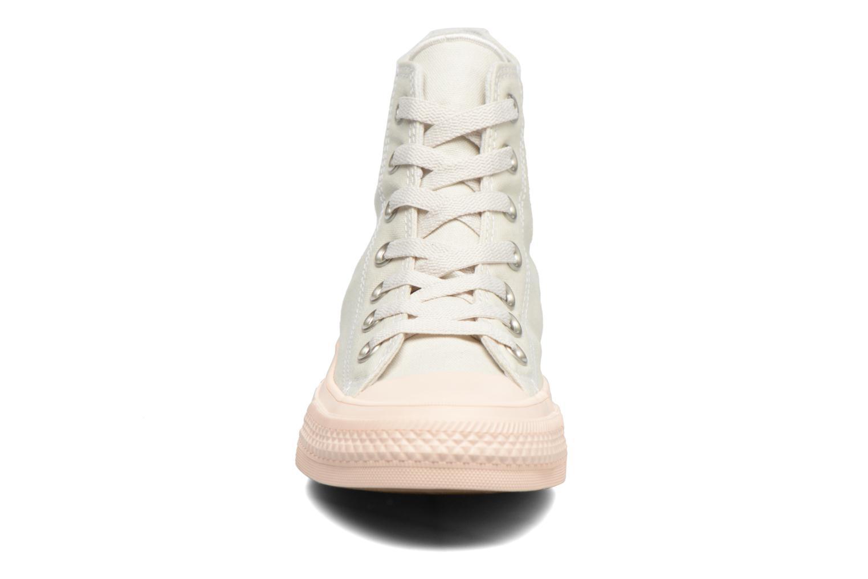 Sneakers Converse Chuck Taylor All Star II Hi Pastel Midsoles W Beige modello indossato