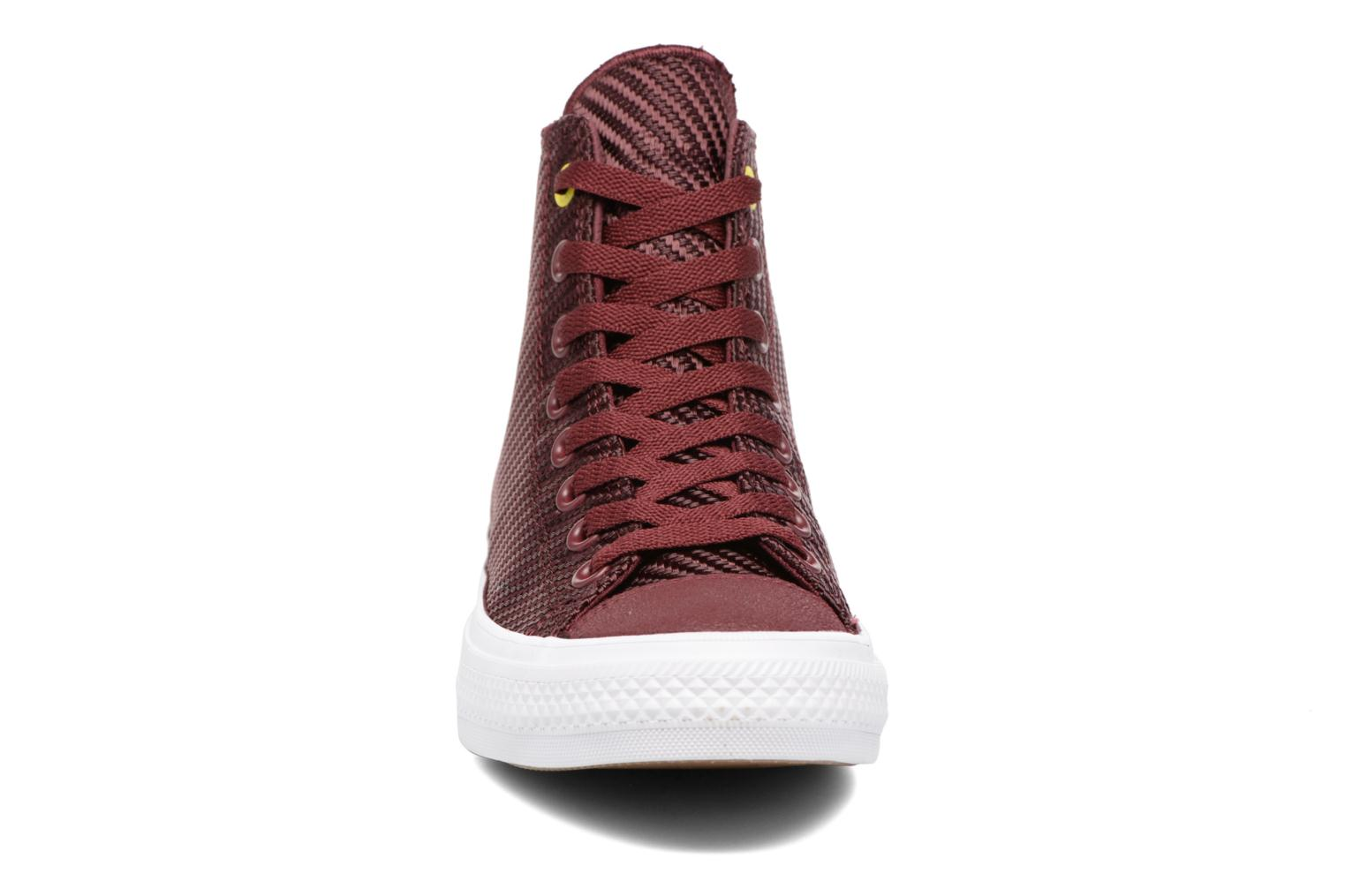 Baskets Converse Chuck Taylor All Star II Hi Sports Blocking Bordeaux vue portées chaussures