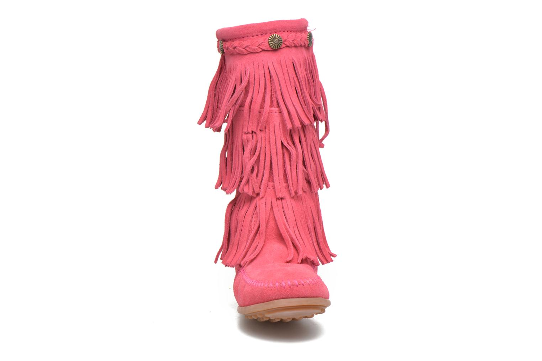 Bottes Minnetonka 3-Layer Fringe Boot E Rose vue portées chaussures