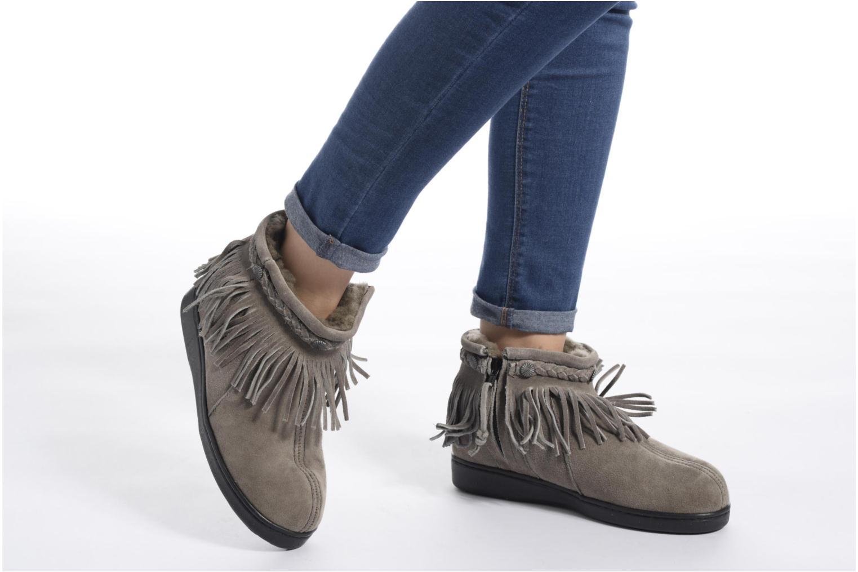 Bottines et boots Minnetonka Side Zip Pug Boot Gris vue bas / vue portée sac