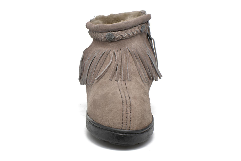 Bottines et boots Minnetonka Side Zip Pug Boot Gris vue portées chaussures