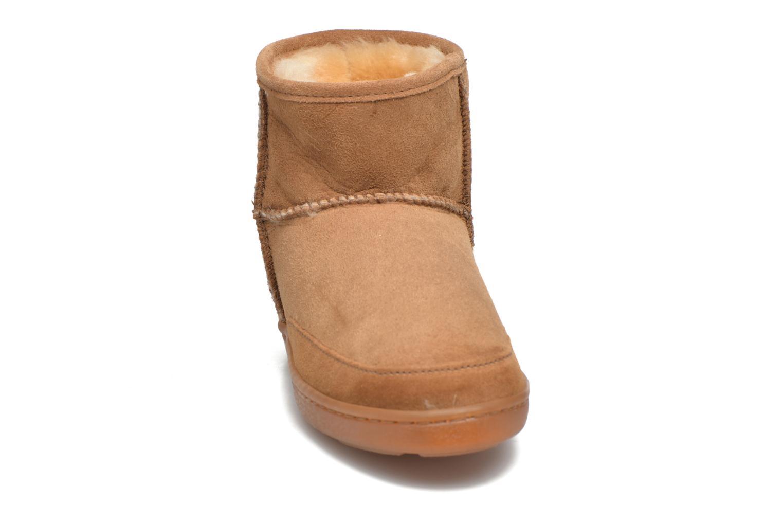 Bottines et boots Minnetonka Ankle-Hi Sheepskin Pug Boot Marron vue portées chaussures