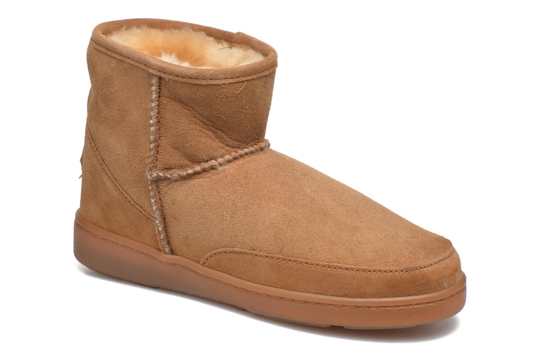 Bottines et boots Minnetonka Ankle-Hi Sheepskin Pug Boot Marron vue détail/paire