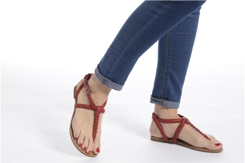 Sandales et nu-pieds Minnetonka Liberty Thong Rouge vue bas / vue portée sac