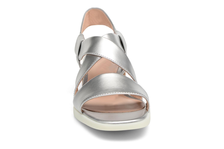 Sandales et nu-pieds Camper Kobo K200328 Argent vue portées chaussures