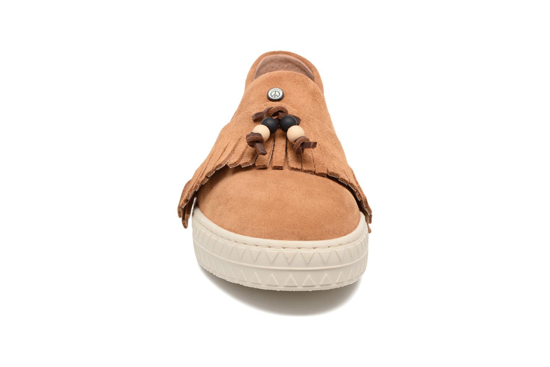 Baskets Dolfie Noa Marron vue portées chaussures