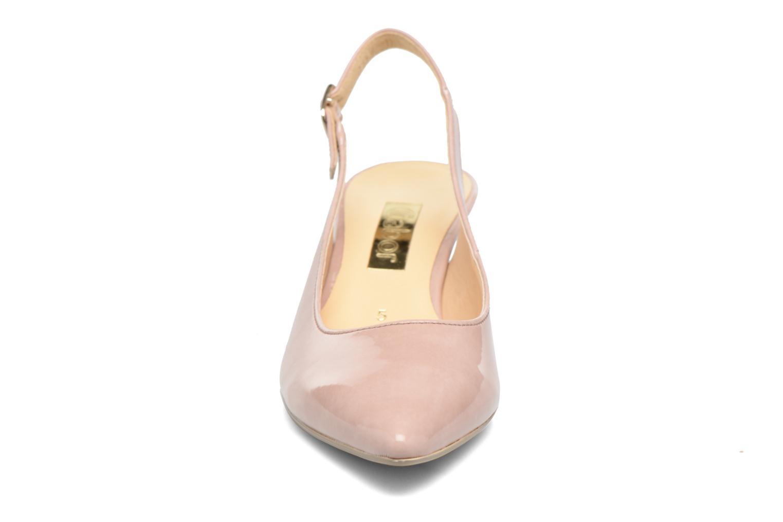 Zapatos de tacón Gabor Napa Beige vista del modelo