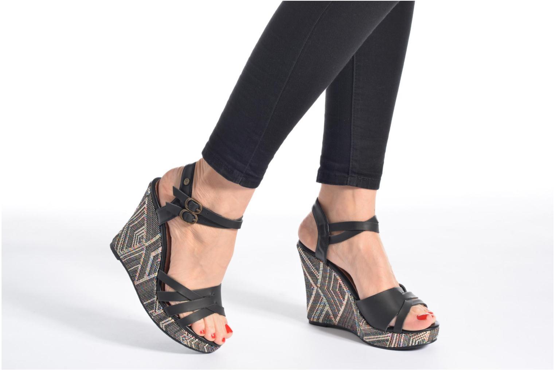 Sandales et nu-pieds Kaporal Rosana Noir vue bas / vue portée sac