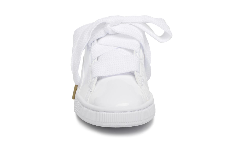 Baskets Puma Basket Heart Patent Wn's Blanc vue portées chaussures