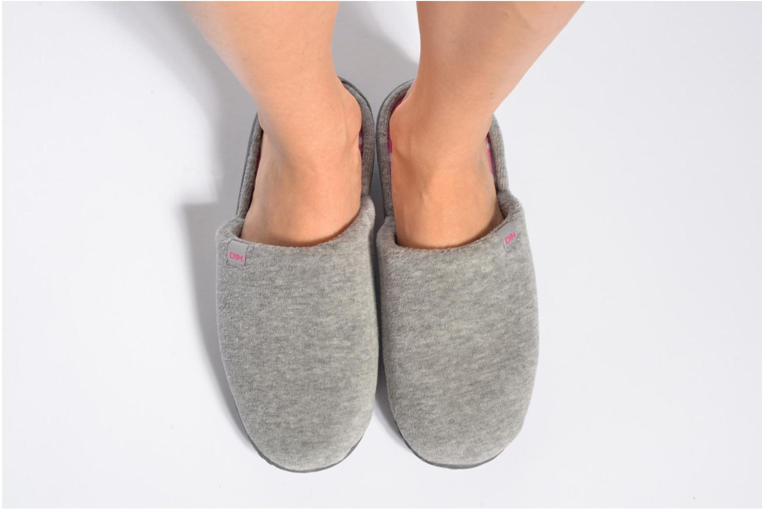 Slippers Dim D Inola Grey view from underneath / model view