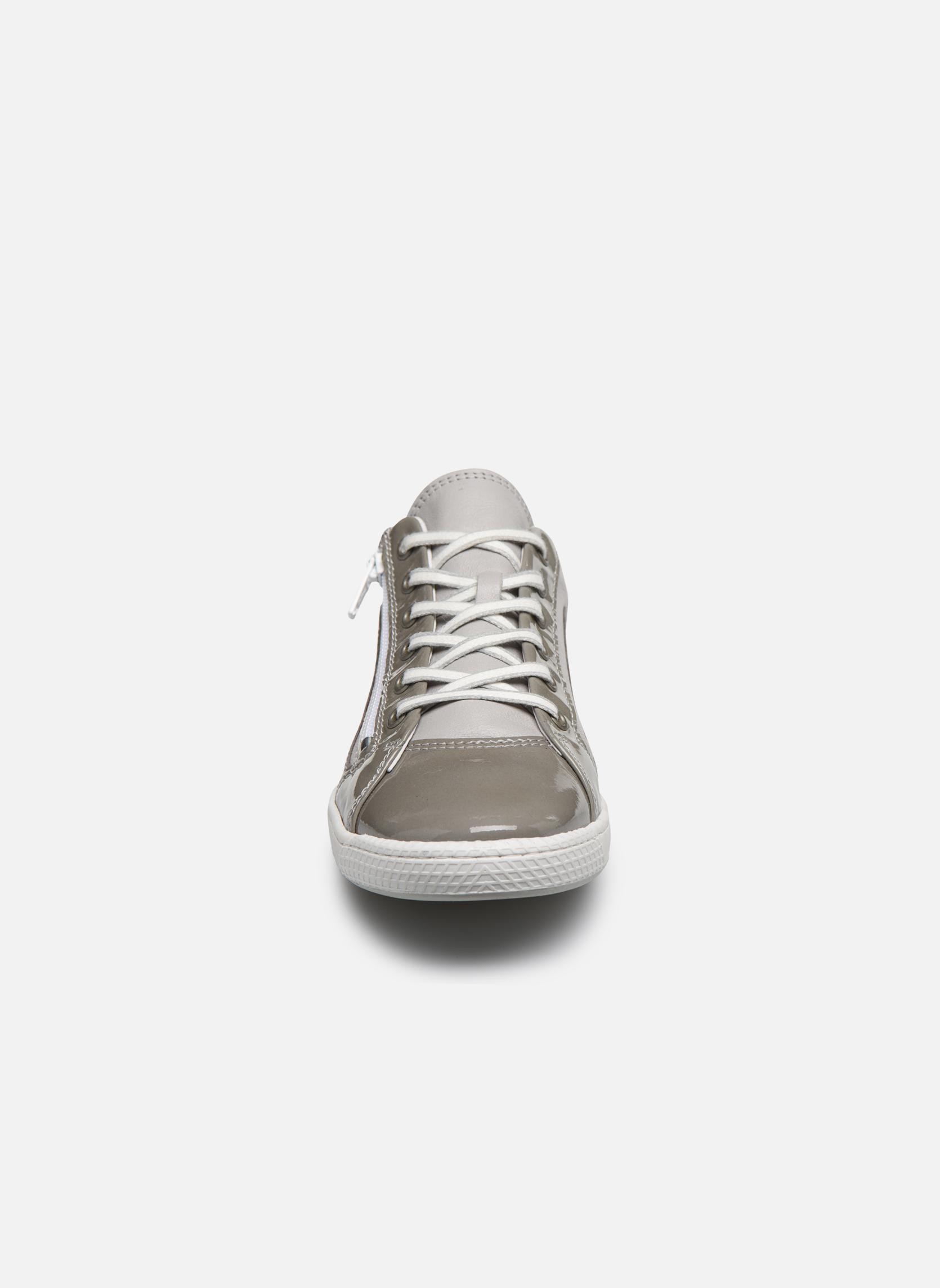 Baskets Pataugas Jude/V Gris vue portées chaussures