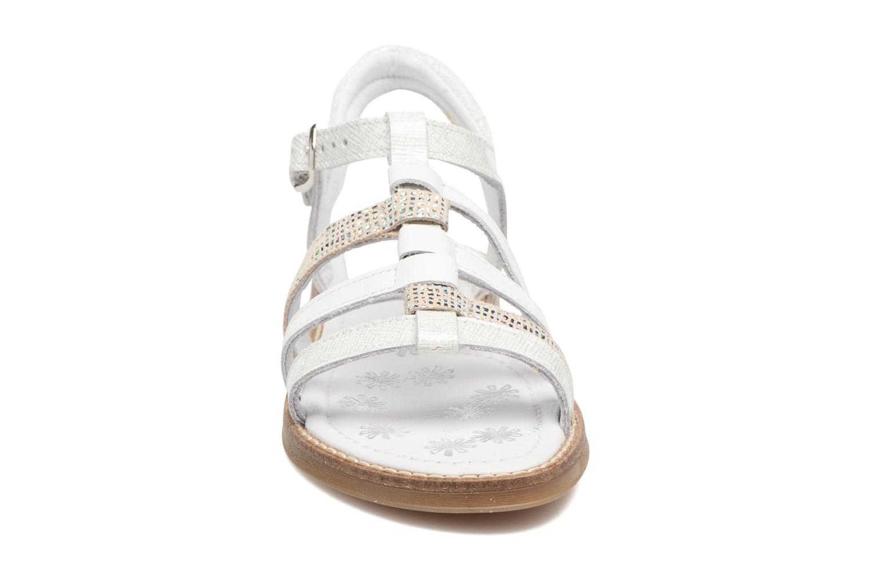 Sandales et nu-pieds Babybotte Kappy Blanc vue portées chaussures