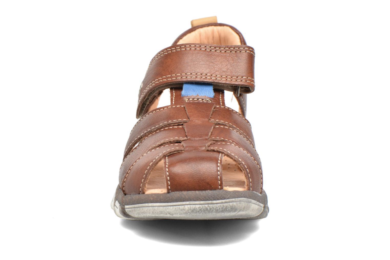 Sandales et nu-pieds Babybotte King Marron vue portées chaussures