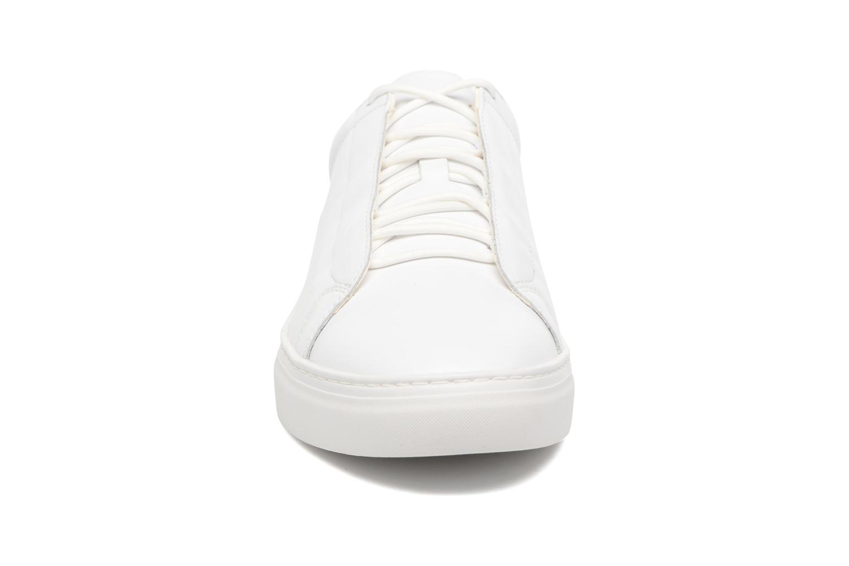 Baskets Vagabond Shoemakers Paul 4383-201 Blanc vue portées chaussures