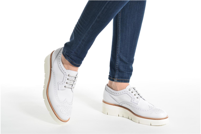 Chaussures à lacets Santoni Siby 55519 Beige vue bas / vue portée sac