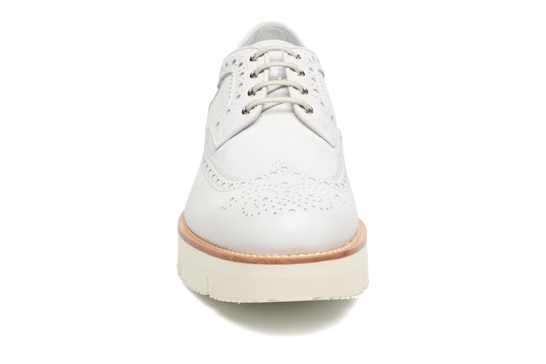 Chaussures à lacets Santoni Siby 55519 Beige vue portées chaussures