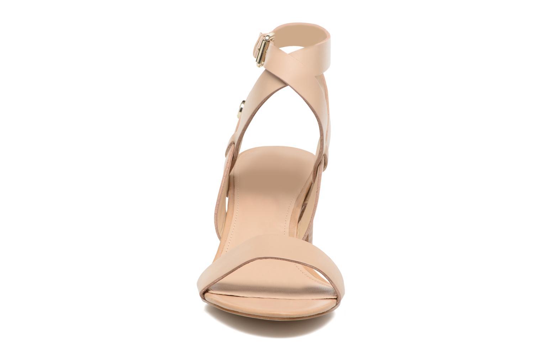 Sandales et nu-pieds Guess NAJYA Beige vue portées chaussures
