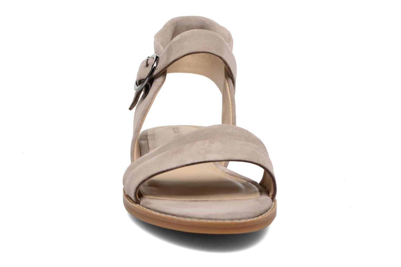 Sandales et nu-pieds Hush Puppies Abia Beige vue portées chaussures