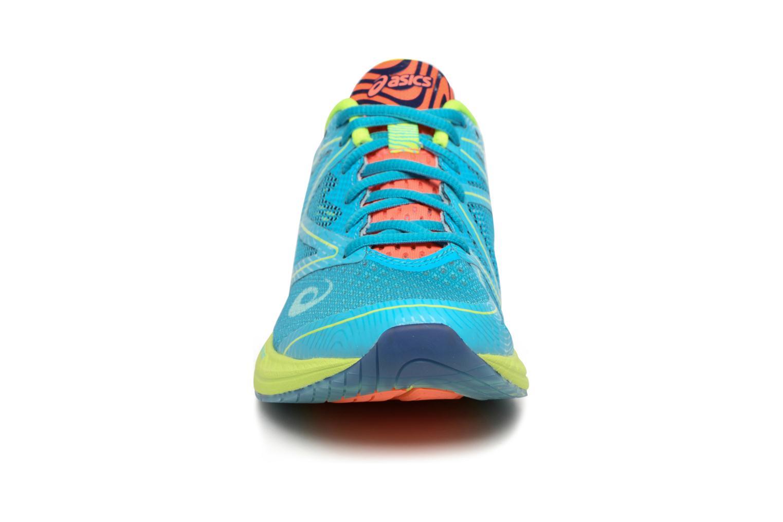 Chaussures de sport Asics Gel-Noosa Tri 12 W Bleu vue portées chaussures