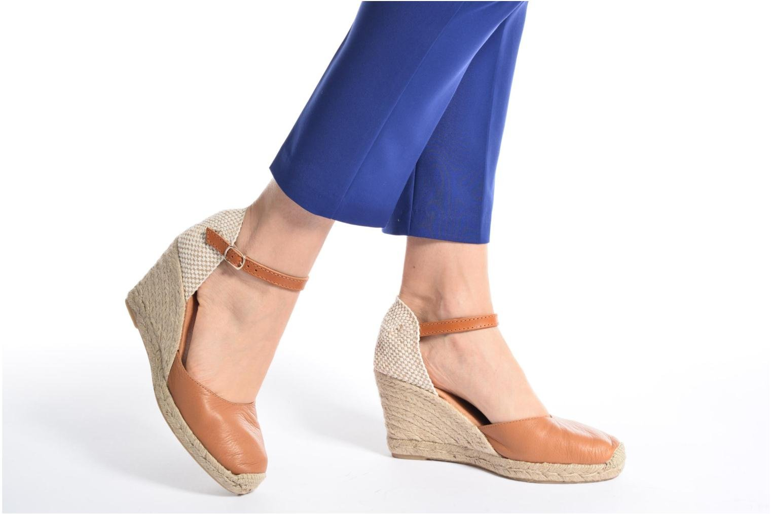 Espadrilles Maypol Nantes Brown view from underneath / model view
