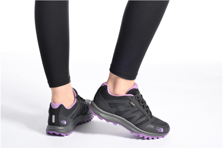 Chaussures de sport The North Face Litewave Fastpack GTX W Noir vue bas / vue portée sac