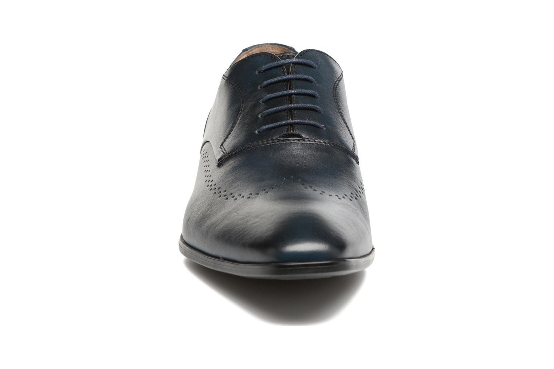 Scarpe con lacci Marvin&Co Romford Azzurro modello indossato