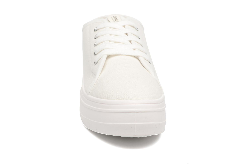 Baskets ONLY Sarina Plain Sneaker Blanc vue portées chaussures